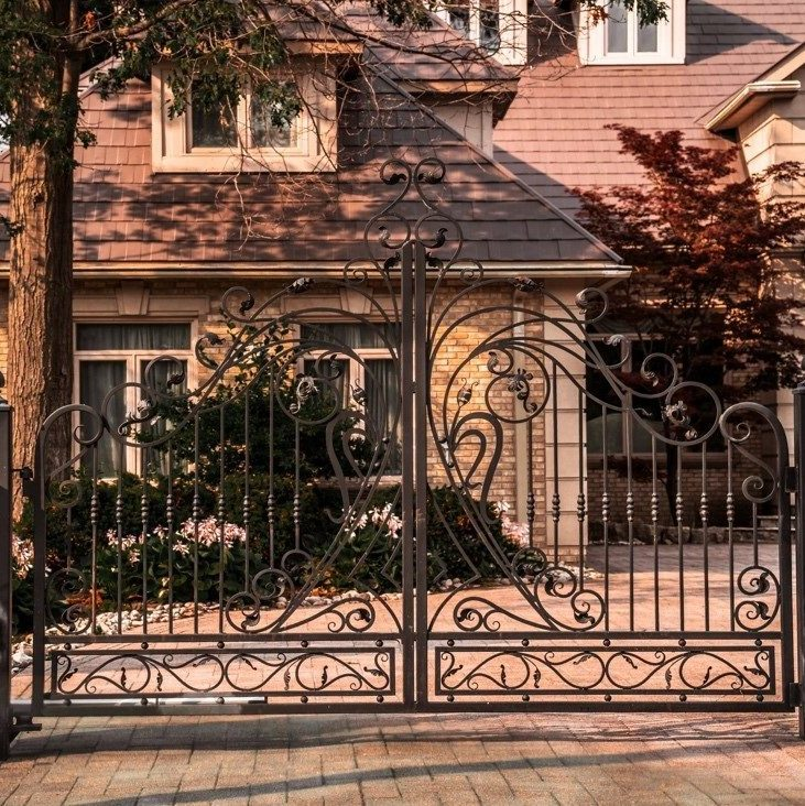 Intercoms and gate systems